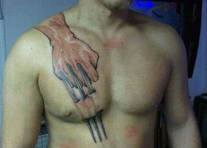 Göğüse dövme yaptırmak