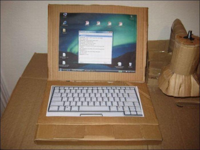 Как сделать из под коробки ноутбук